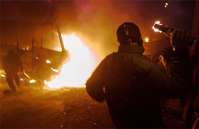 Минувшей ночью в центре украинской столицы кипели страсти. Фото: REUTERS