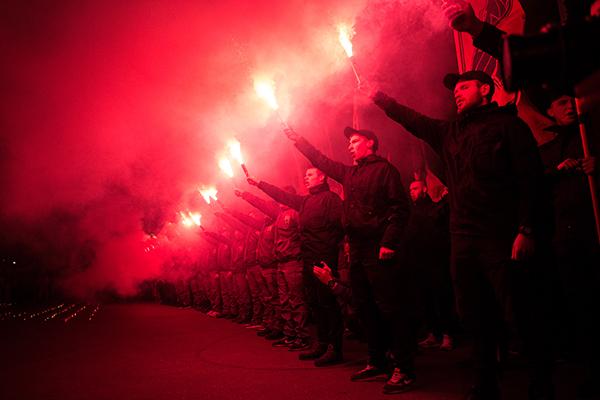 Участники акции в День защитника Украины в Харькове. Фото: Павел Пахоменко /РИА Новости