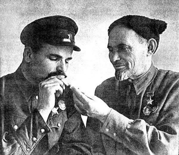 Командиры Путивльского партизанского отряда и Сумского партизанского соединения Семён Руднев (слева) и Сидор Ковпак (справа)